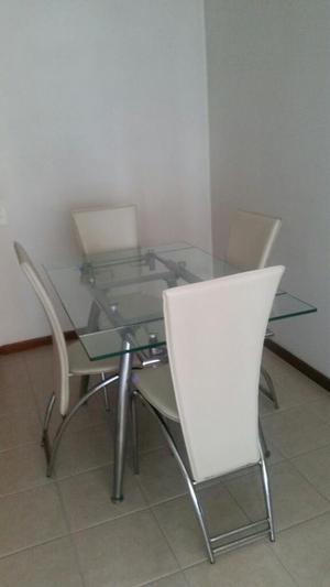 Mesa de comedor expandible de 6 puestos con vidrio for Comedor 4 puestos vidrio