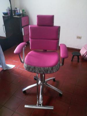 Silla poltrona en chenille posot class for Muebles de peluqueria en oferta