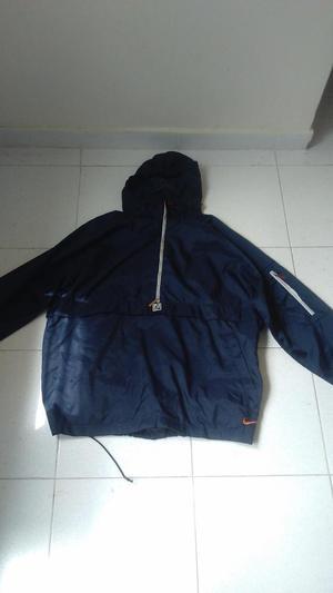chaqueta nike usada impermeable talla L