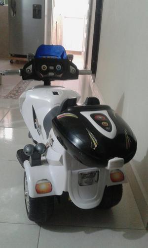 Vendo Hermosa Moto Electrica con Sonidos