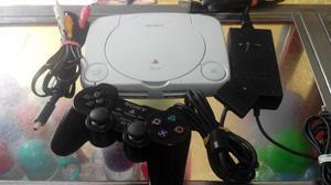 Consola Playstation 1 Original Con Un Control Y Cables.