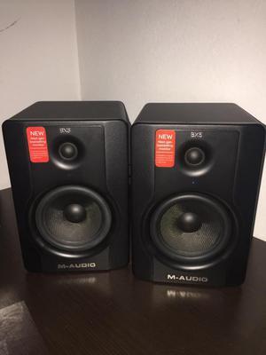 Monitor M Audio Bx5 D2 Par