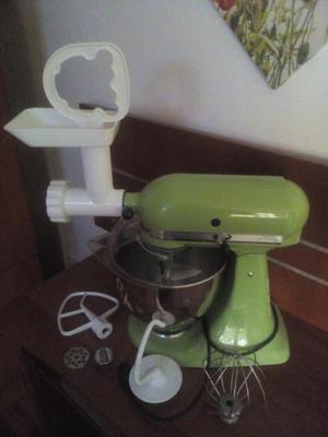 por motivo de viaje vendo batidora kitchenaid con molino