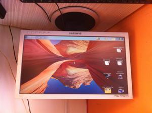 monitor samsung 17 '' en buen estado SincMaster 740nw