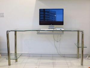 Hermoso escritorio en vidrio templado en excelentes