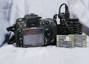 Camara Nikon D 300S con 3 cargadores de segunda
