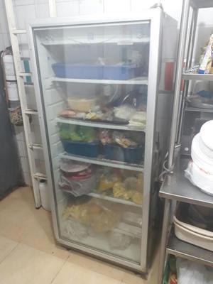 Vendo congelador exhibidor