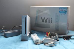 Nintendo Wii Blanco Con Controles Y Cargador De Controles