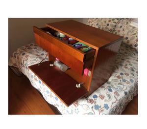Vendo mesas de madera posot class - Mesas de noche segunda mano ...