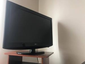 Vendo Televisor Lcd 32 Pulgadas Marca Lg control. muy bien