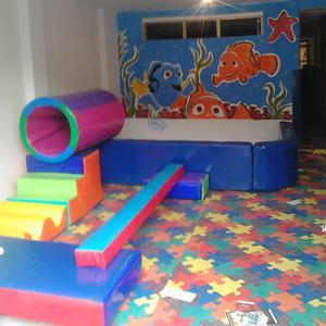 piscinas y gimnasios infantiles
