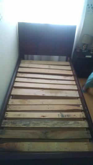 Vendo cambio cama de madera sencilla posot class for Cama sencilla
