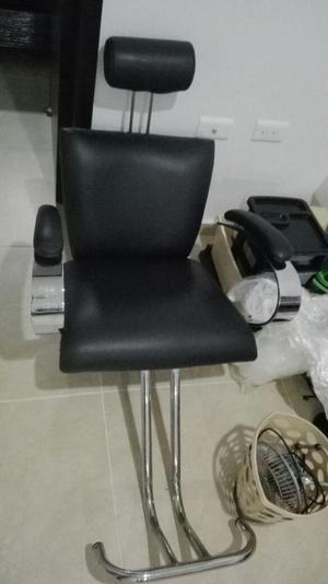 Sillas usadas para peluqueria medellin en colombia for Sillas para hacer pedicure