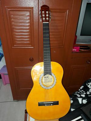 Se Vende Guitarra Poco Uso