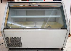 Vitrina enfriadora con congelador