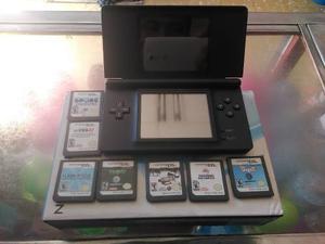 Nintendo Ds Lite Con Cargador Y 7 Juegos Originales.