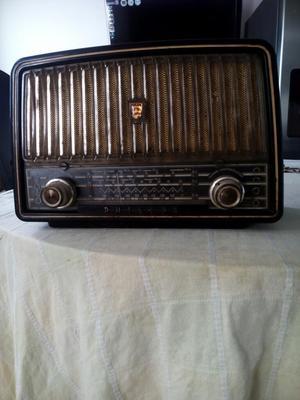 Radio Antiguo de Tubos