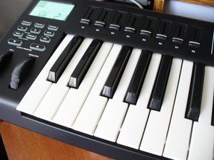 Alesis QX49 Controlador MIDI USB de 4 octavas, tecla