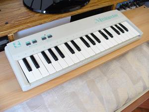 Reveal MusicStar Controlador MIDI de 3 octavas