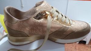 Vendo Lindos Zapatos Talla 38