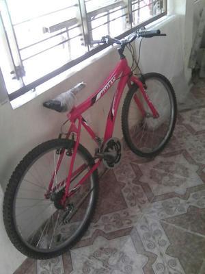 Vendo Hermosa Bicicleta Color Roja