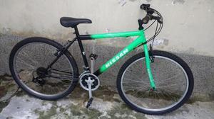 Bicicleta todo terreno en buen estado Esta en el barrio