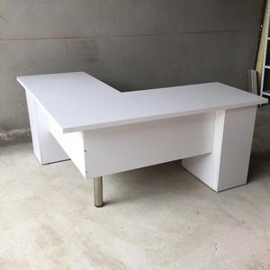 Vendo dotacion oficina escritorios sillas posot class for Vendo muebles de oficina usados