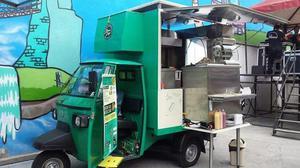 Vendo Piaggio APE adaptado para venta de comidas rápidas.
