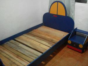 Vendo Cama para Niño con Mesa de Noche
