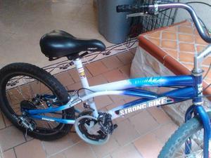 bicicleta con cambios y frenos en aluminio, excelente