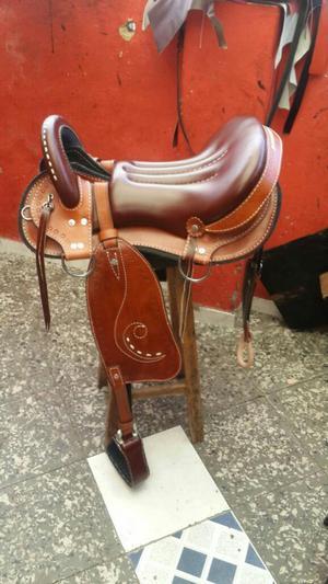 Soporte para montura sillas galapagos caballos posot class for Sillas para vaqueria