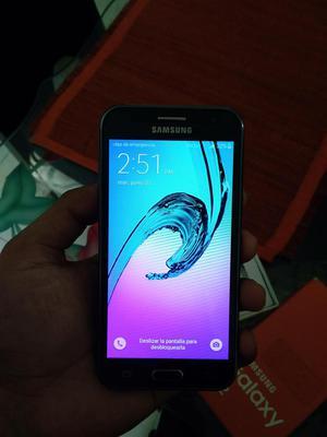 Se vende celular Samsung J2 Negro 8gb 5 meses de uso