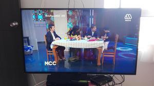 Se vende televisor smart tv 52