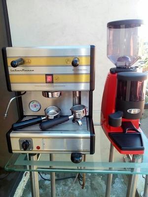 Maquina de Cafe Espreso Capuchino Y Molino de Cafe