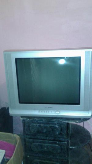 Se Vende Televisor Samsung de 21 Control