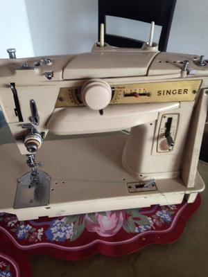 combo maquina de coser y fileteadora