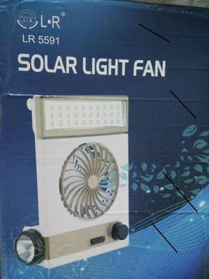 ABANICO SOLAR Y A 110V RECARGABLE CON LINTERNA Y PANEL LED
