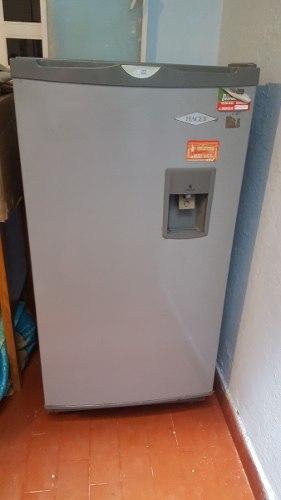 Nevera Haceb 209 Litros Con Dispensador De Agua
