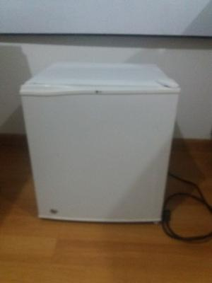 Nevera Minibar No Frost De 46 Lts, Marca Lg, Color Blanco