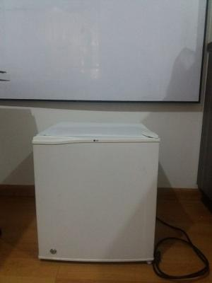 Nevera Minibar No Frost Lg, 46 Lts Color Blanco