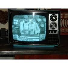 televisor a blanco y negro marca hitachi en buen estado