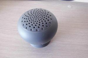 Parlante Brookstone Bluetooth Gris Usado excelente