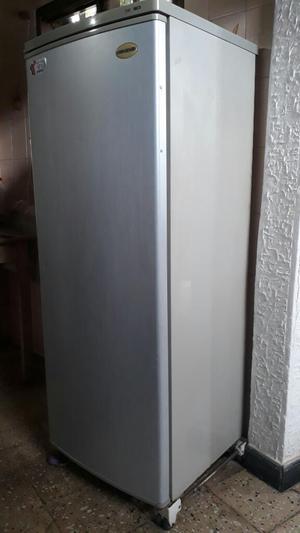 Congelador Vertical Challenger Cv430