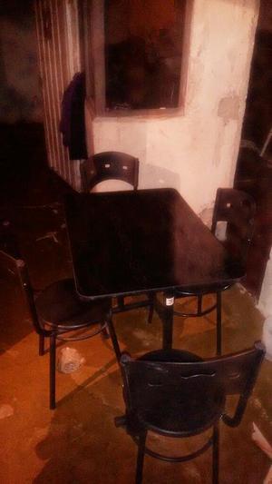 Juego de mesas y sillas para cafeter a bar o posot class for Juego de mesa y sillas