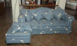 sofa y asiento auxiliar