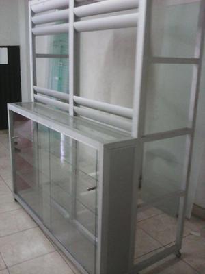 Vitrina en aluminio y vidrio