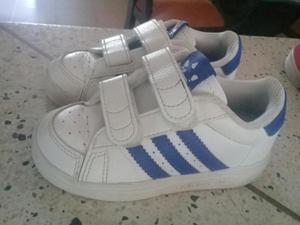 Se Venden Zapatos para Niño
