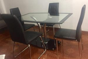 Comedor en vidrio templado y sillas en cuero posot class for Comedor negro de vidrio