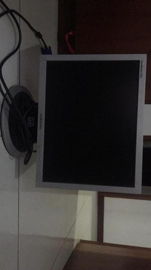 Vendo Monitor Y Cpu