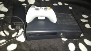 Vendo Xbox 360 Slim con Un Control